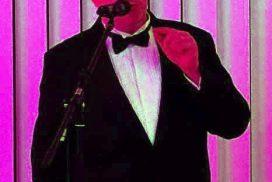 Pat Sunny Spring spielt auf dem Benefizkonzert des MHL.