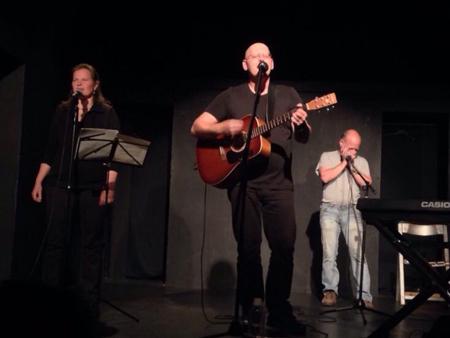 Franky von Tide, Birgit Leuthold & Harald Rudziansky live im Theater Verlängertes Wohnzimmern