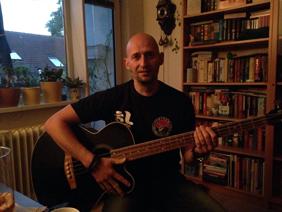 Bassist Thomas Seedorf