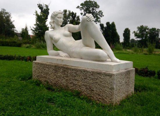 Sommerurlaub 2017 - Skulptur im Rosengarten Kyritz