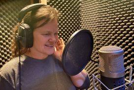 Birgit Leuthold singt ihre Soloparts ein.